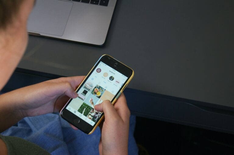 formazione minori social network